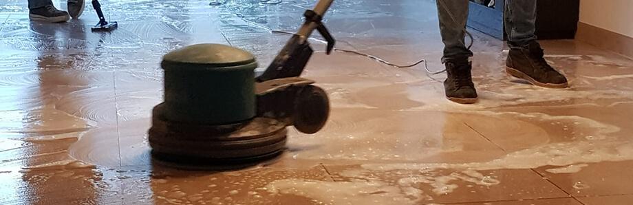 tegelvloer schoonmaken